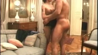 Hot milf takes a load all over her hot pussy - Telsev