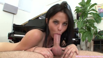 Brooklyn Daniels sucks and swallows a big load