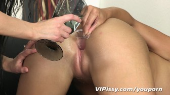 Lesbian lovers fill every hole with hot piss
