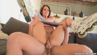 MAGMA FILM Samia Duarte is picked up and RollerBanged