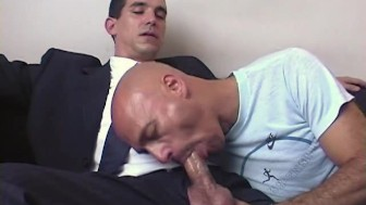 I want to suck your huge cock of str8 guy or i won't sign this contract !