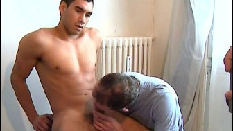 Repair guy gets sucked his huge cock by the client!
