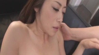 Maki Hojo tries a huge dick in her puffy cherry