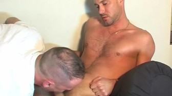 My str8 neighbour made a porn where i can see his huge cock gets sucked!