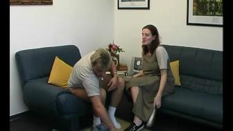 Brunette milf gives a nice blowjob - Julia Reaves