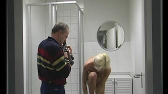 Filming a milf showering - Julia Reaves