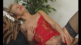 Masturbating with a dildo - Julia Reaves