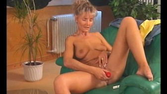 Getting some dick - Julia Reaves