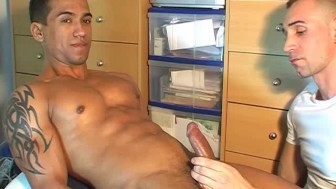 A nice innocent str8 guy serviced his big cock by a guy in spite of him