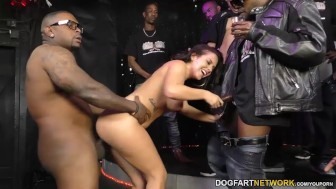 Keisha Grey enjoys gangbang - Interracial Blowbang