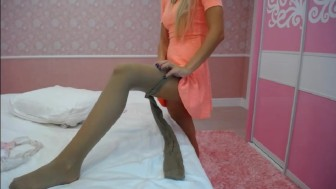 Pantyhose cam show with AngelTiffani