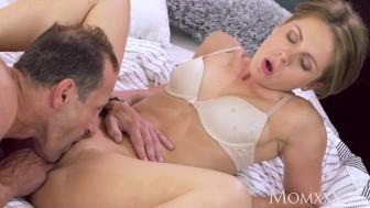 MOM Intimate creampie for brunette MILF