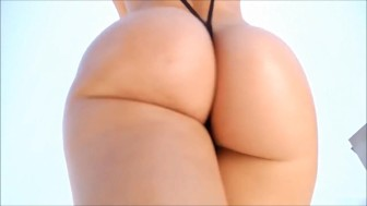 BIG BOOTY WALKING TINY BIKINI 1