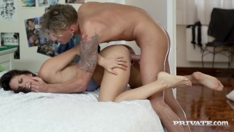 Anny Aurora Masturbates to Carolina Abril's...