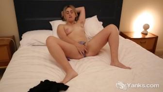 Yanks Girl Aastrid Masturbating