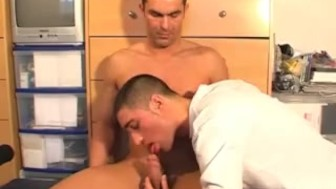 Paul, real str8 guy gets sucked his cock by a guy !
