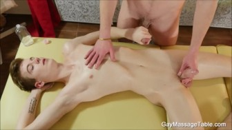 Two Young Gay Blowjob Each Other
