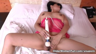 Latina housewife Anabella gets rewarded for good cleaning
