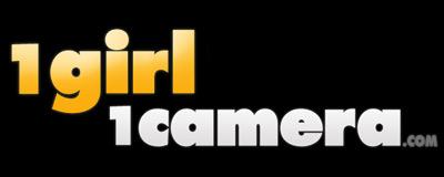 1 Girl 1 Camera